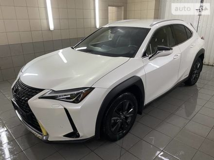 Білий Лексус UX 250H, об'ємом двигуна 2 л та пробігом 32 тис. км за 39999 $, фото 1 на Automoto.ua