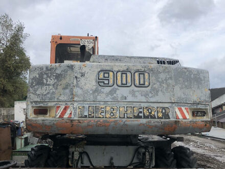 Либхерр 900 Литроник, объемом двигателя 0 л и пробегом 50 тыс. км за 16900 $, фото 1 на Automoto.ua