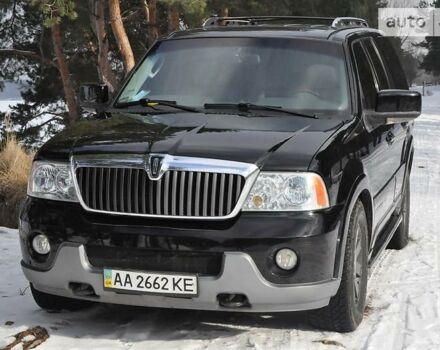 Чорний Лінкольн Navigator, об'ємом двигуна 5.4 л та пробігом 242 тис. км за 16500 $, фото 1 на Automoto.ua