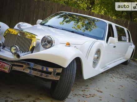 Білий Лінкольн Town Car, об'ємом двигуна 4.6 л та пробігом 200 тис. км за 10300 $, фото 1 на Automoto.ua
