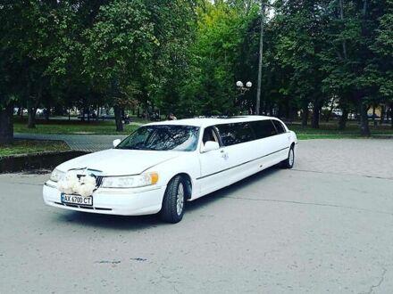 Білий Лінкольн Town Car, об'ємом двигуна 4.6 л та пробігом 50 тис. км за 6000 $, фото 1 на Automoto.ua