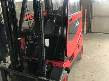 Красный Линде H 16, объемом двигателя 1.6 л и пробегом 11 тыс. км за 7500 $, фото 1 на Automoto.ua