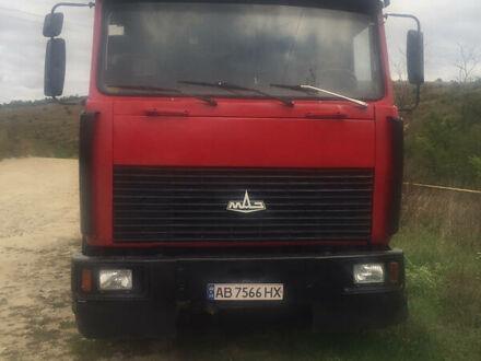 Красный МАЗ 5516, объемом двигателя 15 л и пробегом 200 тыс. км за 9000 $, фото 1 на Automoto.ua