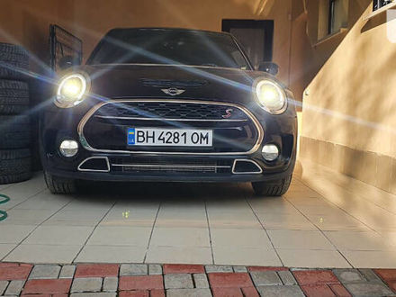 Чорний Міні Clubman, об'ємом двигуна 2 л та пробігом 41 тис. км за 19900 $, фото 1 на Automoto.ua