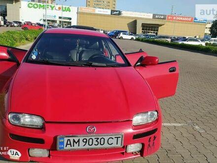Красный Мазда 323, объемом двигателя 1.8 л и пробегом 310 тыс. км за 3500 $, фото 1 на Automoto.ua