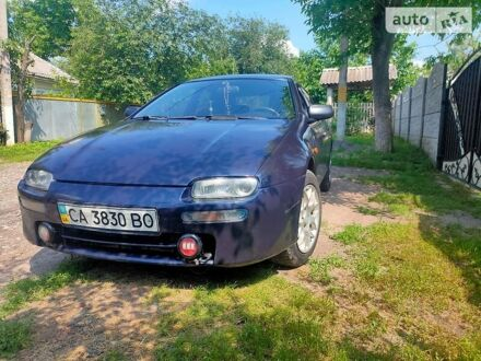 Синий Мазда 323, объемом двигателя 1.5 л и пробегом 340 тыс. км за 3300 $, фото 1 на Automoto.ua