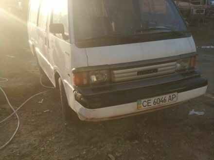 Белый Мазда E 2000,2200 Bus, объемом двигателя 2.2 л и пробегом 100 тыс. км за 1650 $, фото 1 на Automoto.ua