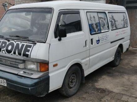Белый Мазда E 2000,2200 Bus, объемом двигателя 2.2 л и пробегом 563 тыс. км за 3200 $, фото 1 на Automoto.ua