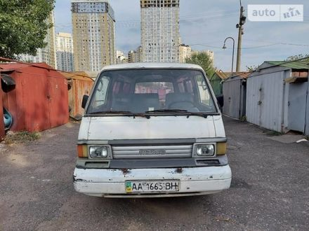Білий Мазда Е2200, об'ємом двигуна 2.2 л та пробігом 328 тис. км за 1200 $, фото 1 на Automoto.ua