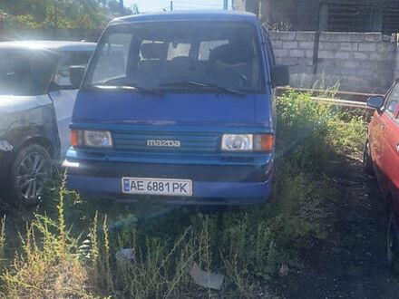 Синій Мазда Е2200, об'ємом двигуна 2.2 л та пробігом 195 тис. км за 4100 $, фото 1 на Automoto.ua