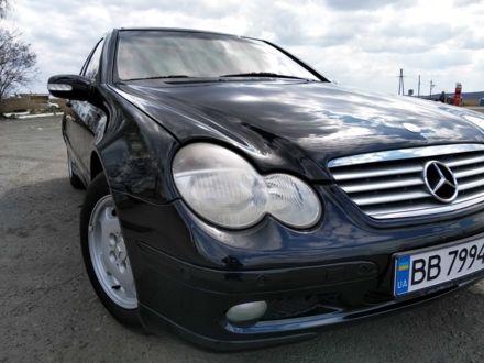 Черный Мерседес 200, объемом двигателя 2 л и пробегом 210 тыс. км за 5700 $, фото 1 на Automoto.ua