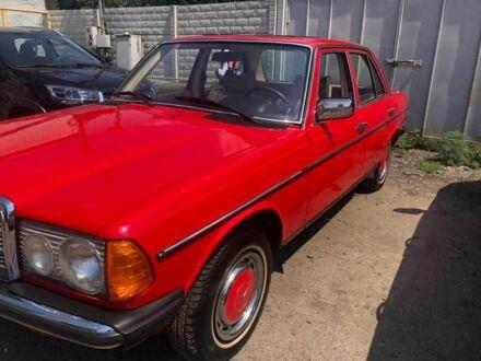Червоний Мерседес 250, об'ємом двигуна 2 л та пробігом 250 тис. км за 7000 $, фото 1 на Automoto.ua