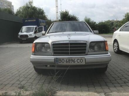 Серый Мерседес 300, объемом двигателя 3 л и пробегом 300 тыс. км за 3290 $, фото 1 на Automoto.ua