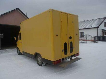 Желтый Мерседес 308, объемом двигателя 2.3 л и пробегом 228 тыс. км за 8100 $, фото 1 на Automoto.ua