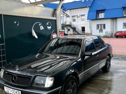 Черный Мерседес 320, объемом двигателя 3.2 л и пробегом 450 тыс. км за 0 $, фото 1 на Automoto.ua