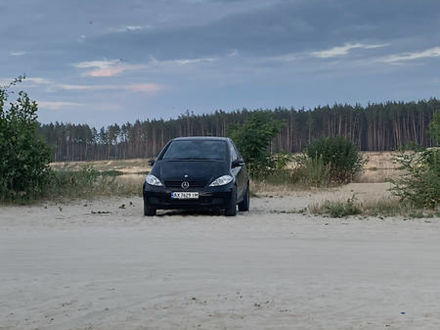 Чорний Мерседес А 150, об'ємом двигуна 1.5 л та пробігом 200 тис. км за 4550 $, фото 1 на Automoto.ua