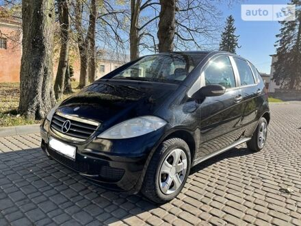 Чорний Мерседес А 150, об'ємом двигуна 1.5 л та пробігом 174 тис. км за 6500 $, фото 1 на Automoto.ua