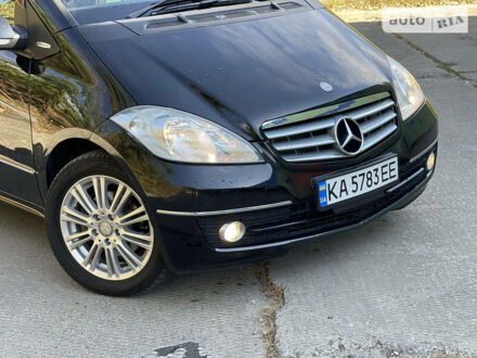 Чорний Мерседес А 180, об'ємом двигуна 1.7 л та пробігом 66 тис. км за 8222 $, фото 1 на Automoto.ua