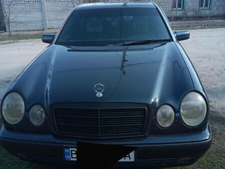 Чорний Мерседес А 210, об'ємом двигуна 3 л та пробігом 375 тис. км за 5200 $, фото 1 на Automoto.ua