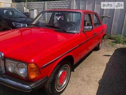 Красный Мерседес A 250, объемом двигателя 2.5 л и пробегом 250 тыс. км за 7000 $, фото 1 на Automoto.ua