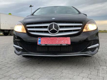 Черный Мерседес Б 200, объемом двигателя 2 л и пробегом 214 тыс. км за 11400 $, фото 1 на Automoto.ua