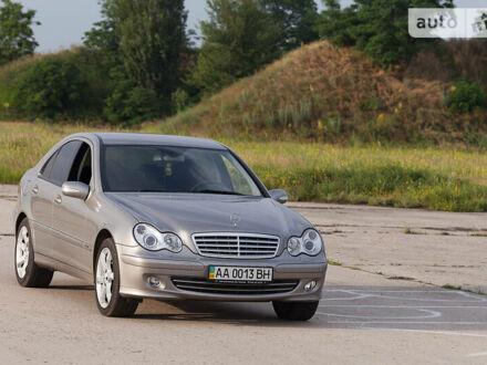 Сірий Мерседес Ц 180, об'ємом двигуна 1.8 л та пробігом 142 тис. км за 9500 $, фото 1 на Automoto.ua