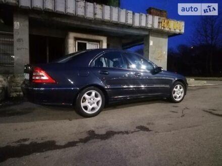 Синий Мерседес Ц 180, объемом двигателя 1.8 л и пробегом 245 тыс. км за 7350 $, фото 1 на Automoto.ua