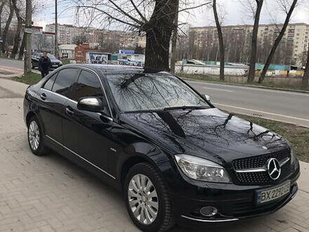 Черный Мерседес Ц 200, объемом двигателя 1.8 л и пробегом 232 тыс. км за 10200 $, фото 1 на Automoto.ua
