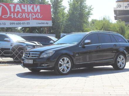 Чорний Мерседес Ц 220, об'ємом двигуна 2.1 л та пробігом 243 тис. км за 8700 $, фото 1 на Automoto.ua