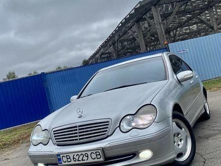 Серый Мерседес Ц 240, объемом двигателя 2.6 л и пробегом 270 тыс. км за 4599 $, фото 1 на Automoto.ua