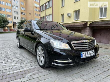Черный Мерседес Ц 250, объемом двигателя 1.8 л и пробегом 157 тыс. км за 13800 $, фото 1 на Automoto.ua