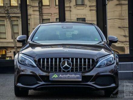 Черный Мерседес Ц 250, объемом двигателя 2.2 л и пробегом 60 тыс. км за 45000 $, фото 1 на Automoto.ua