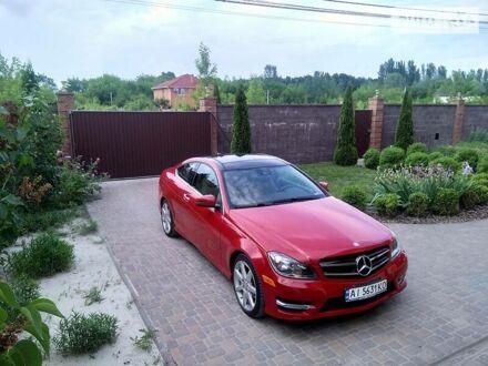 Красный Мерседес Ц 250, объемом двигателя 1.8 л и пробегом 121 тыс. км за 16900 $, фото 1 на Automoto.ua