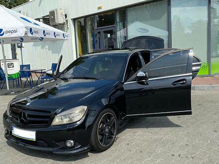 Чорний Мерседес Ц 350, об'ємом двигуна 3.5 л та пробігом 250 тис. км за 10150 $, фото 1 на Automoto.ua