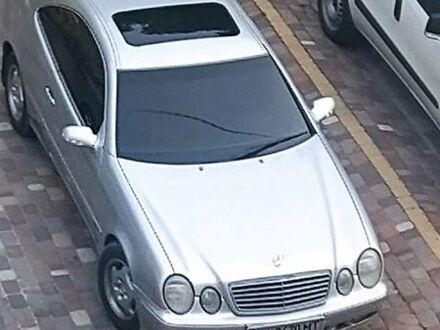 Серый Мерседес ЦЛК 200, объемом двигателя 2 л и пробегом 240 тыс. км за 5400 $, фото 1 на Automoto.ua