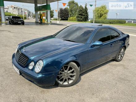 Синий Мерседес ЦЛК 200, объемом двигателя 2 л и пробегом 317 тыс. км за 7500 $, фото 1 на Automoto.ua
