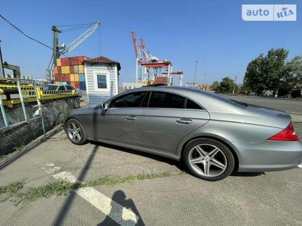 Серый Мерседес ЦЛС 550, объемом двигателя 5.5 л и пробегом 188 тыс. км за 15000 $, фото 1 на Automoto.ua