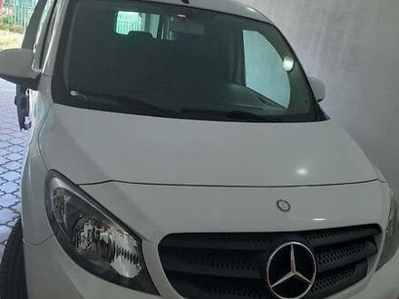 Белый Мерседес Citan груз., объемом двигателя 1.2 л и пробегом 160 тыс. км за 8950 $, фото 1 на Automoto.ua