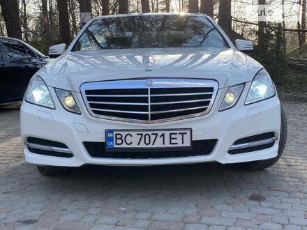 Білий Мерседес E 200, об'ємом двигуна 1.8 л та пробігом 238 тис. км за 15700 $, фото 1 на Automoto.ua