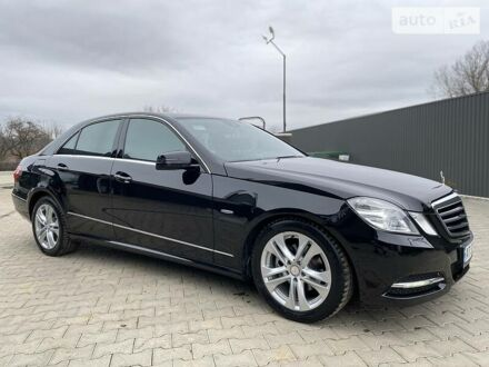 Чорний Мерседес E 200, об'ємом двигуна 2.1 л та пробігом 430 тис. км за 13700 $, фото 1 на Automoto.ua