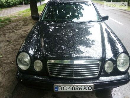 Чорний Мерседес E 240, об'ємом двигуна 2.4 л та пробігом 280 тис. км за 6000 $, фото 1 на Automoto.ua