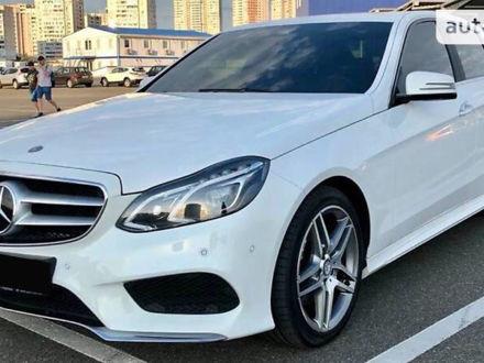 Белый Мерседес E 250, объемом двигателя 2.1 л и пробегом 104 тыс. км за 27500 $, фото 1 на Automoto.ua