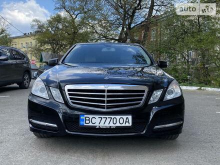 Черный Мерседес E 250, объемом двигателя 2.1 л и пробегом 210 тыс. км за 16990 $, фото 1 на Automoto.ua