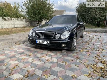 Чорний Мерседес Е 260, об'ємом двигуна 2.6 л та пробігом 246 тис. км за 7500 $, фото 1 на Automoto.ua