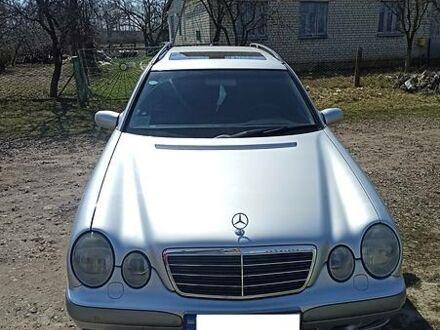 Серый Мерседес Е 270, объемом двигателя 2.7 л и пробегом 206 тыс. км за 6300 $, фото 1 на Automoto.ua