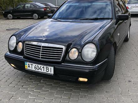 Чорний Мерседес Е 320, об'ємом двигуна 3.2 л та пробігом 250 тис. км за 5100 $, фото 1 на Automoto.ua