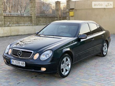 Черный Мерседес Е 320, объемом двигателя 3.2 л и пробегом 313 тыс. км за 7100 $, фото 1 на Automoto.ua