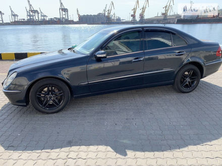 Синій Мерседес Е 320, об'ємом двигуна 3.2 л та пробігом 420 тис. км за 7000 $, фото 1 на Automoto.ua