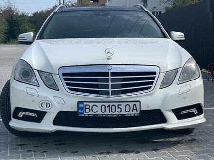 Білий Мерседес Е 350, об'ємом двигуна 3 л та пробігом 319 тис. км за 16400 $, фото 1 на Automoto.ua