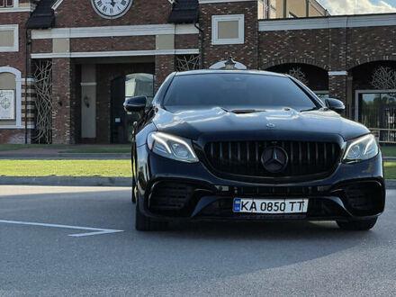 Черный Мерседес Е 400, объемом двигателя 3 л и пробегом 92 тыс. км за 48999 $, фото 1 на Automoto.ua